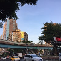 Photo taken at MRT Liuzhangli Station by Asu I. on 7/18/2017