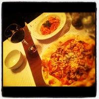1/11/2013 tarihinde Erol Y.ziyaretçi tarafından Cucina Makkarna'de çekilen fotoğraf