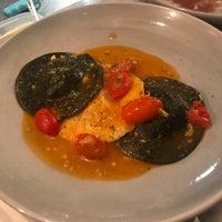 Foto scattata a La Dotta Pasta Bar & Store da Fbb D. il 7/31/2018