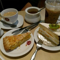 Photo taken at Gateaux House by NorNoey__y on 2/25/2017