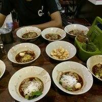 Photo taken at Rue Thong Boat Noodle by NorNoey__y on 4/1/2017