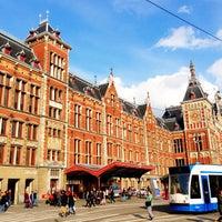 4/13/2013 tarihinde Russ L.ziyaretçi tarafından Station Amsterdam Centraal'de çekilen fotoğraf