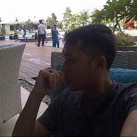 Photo taken at Swimming Pool Lt 6 Hotel Clarion by Fardhin MauLady Samman D. on 2/14/2015