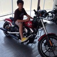 Photo taken at Mabua Harley-Davidson by Rivando W. on 9/1/2013