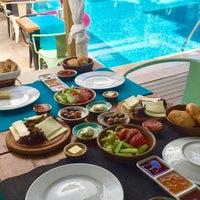 Das Foto wurde bei Brera boutique otel von Pınar ❣. am 9/1/2017 aufgenommen