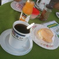 Photo taken at Restaurante Alfredo by Pedro Q. on 12/31/2012