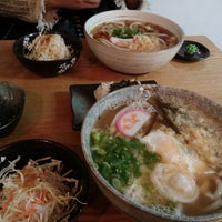 Photo taken at 가미우동 (神うどん) by 지애 박. on 10/5/2013