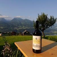 Das Foto wurde bei WeinArt Alpenwein Taverne von WeinArt Alpenwein Taverne am 7/9/2013 aufgenommen