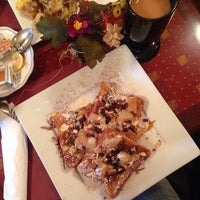 Photo taken at Park Avenue Grill by Rachel Y. on 11/2/2014