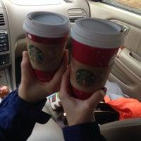Das Foto wurde bei Starbucks von Rachel Y. am 11/26/2013 aufgenommen