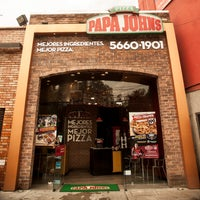 Photo taken at Papa John's Pizza CDMX - Leones by Papa J. on 10/21/2014
