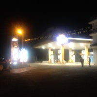Photo taken at İZ PETROL OPET / SUNPET by TMR T. on 10/11/2013