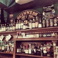 Снимок сделан в Mollie's Irish Pub пользователем Artem P. 2/16/2013