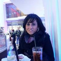 Photo taken at Lounge Caffe by Leonardo S. on 12/31/2013