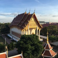 Photo taken at Wat Phothisomphon by ⛳ OffSidE ™ on 12/2/2017