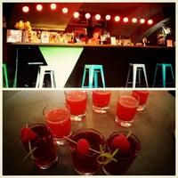 Снимок сделан в Mishka Bar пользователем Zaliponova 7/14/2013