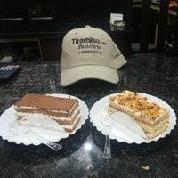 Photo taken at Tiramisú Cafe by Jesús Manuel A. on 8/18/2013