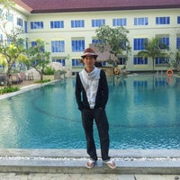Photo taken at Aston Tanjungpinang Hotel & Conference Center by Ly Lu B. on 10/22/2012