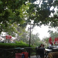 Photo taken at Hıdırlık Çay Bahçesi by ToLga Ö. on 8/18/2013