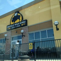 Photo taken at Buffalo Wild Wings by Stephen P. on 7/26/2013