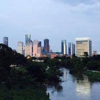 6/10/2015 tarihinde David P.ziyaretçi tarafından Buffalo Bayou Park'de çekilen fotoğraf
