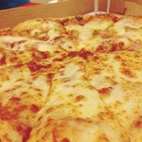 Photo taken at Pizza Hut Delivery by Raíssa L. on 11/10/2013