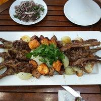 Das Foto wurde bei Koçlar Restaurant ve Dinlenme Tesisi von Aylin am 8/13/2013 aufgenommen