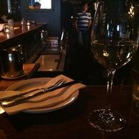 Foto scattata a Webster's Wine Bar da James G. il 3/10/2013