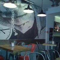 Photo taken at Pizza Al Cuadrado by Calixto A. on 7/28/2013