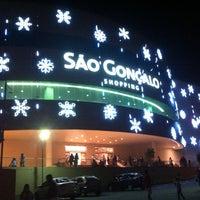 Foto tirada no(a) São Gonçalo Shopping por Leonardo C. em 12/17/2012