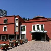 9/16/2012 tarihinde Kumsalziyaretçi tarafından Spilos Hotel'de çekilen fotoğraf