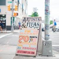 Foto tomada en Artist & Fleas por Compass el 7/24/2013