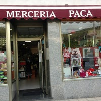 Photo taken at Merceria Paca by Suso H. on 7/26/2013
