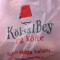 Photo taken at Köksalbey Çiğköfte by .......🎀🎀🎀🎀........ on 2/21/2014