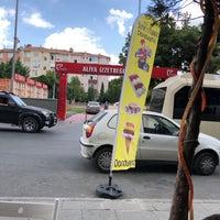 Das Foto wurde bei Aliya İzzet Begoviç Parkı von Aylanc M. am 9/6/2018 aufgenommen