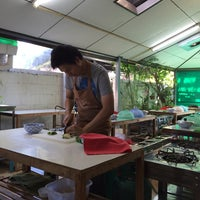 Photo taken at Thai Orchid Cookery School by Ashley on 11/27/2014