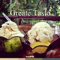 Photo taken at Phangan Homemade Ice cream by Krongyot W. on 7/20/2013