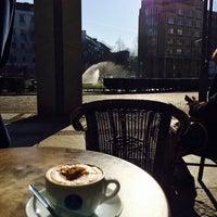 Das Foto wurde bei Meyerbeer Coffee von Emrah K. am 3/19/2015 aufgenommen