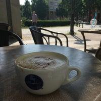 Das Foto wurde bei Meyerbeer Coffee von Emrah K. am 6/25/2016 aufgenommen