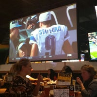 Photo taken at Buffalo Wild Wings by 1stclasspimpin on 9/28/2014