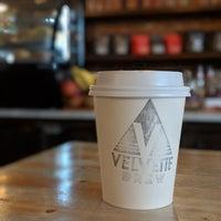 Foto tomada en Velvette Brew por Akshay P. el 10/7/2018