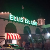 Photo taken at Ellis Island Casino & Brewery by Quentin D. on 8/27/2013