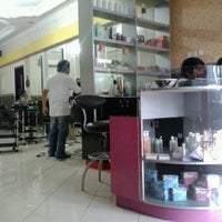 Photo taken at Salon Bee Cool by Arif W. on 8/16/2013