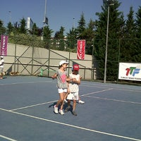 Photo taken at Hillside City Club Tennis Court by Belguzar Seren T. on 7/25/2013