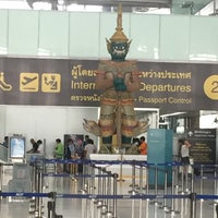 Photo taken at Malaysia Airlines (MH) Check-In Area by Sue W. on 5/26/2016