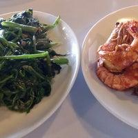 Photo prise au D'Cost Seafood par Eni A. le11/22/2014