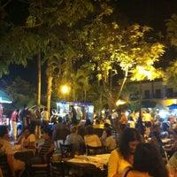 รูปภาพถ่ายที่ Plazuela Machado โดย Monica F. เมื่อ 7/21/2013