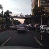 Photo taken at TAKBUHAN sa ROXAS BLVD by Nelson G. on 5/14/2014