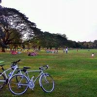 1/6/2013 tarihinde Chanmonthon M.ziyaretçi tarafından Vachirabenjatas Park (Rot Fai Park)'de çekilen fotoğraf
