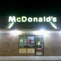 Photo taken at McDonald's by Lonny B. on 9/28/2013